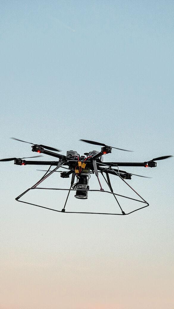Drohne bei der Kitzrettung - © Christoph Burgstaller