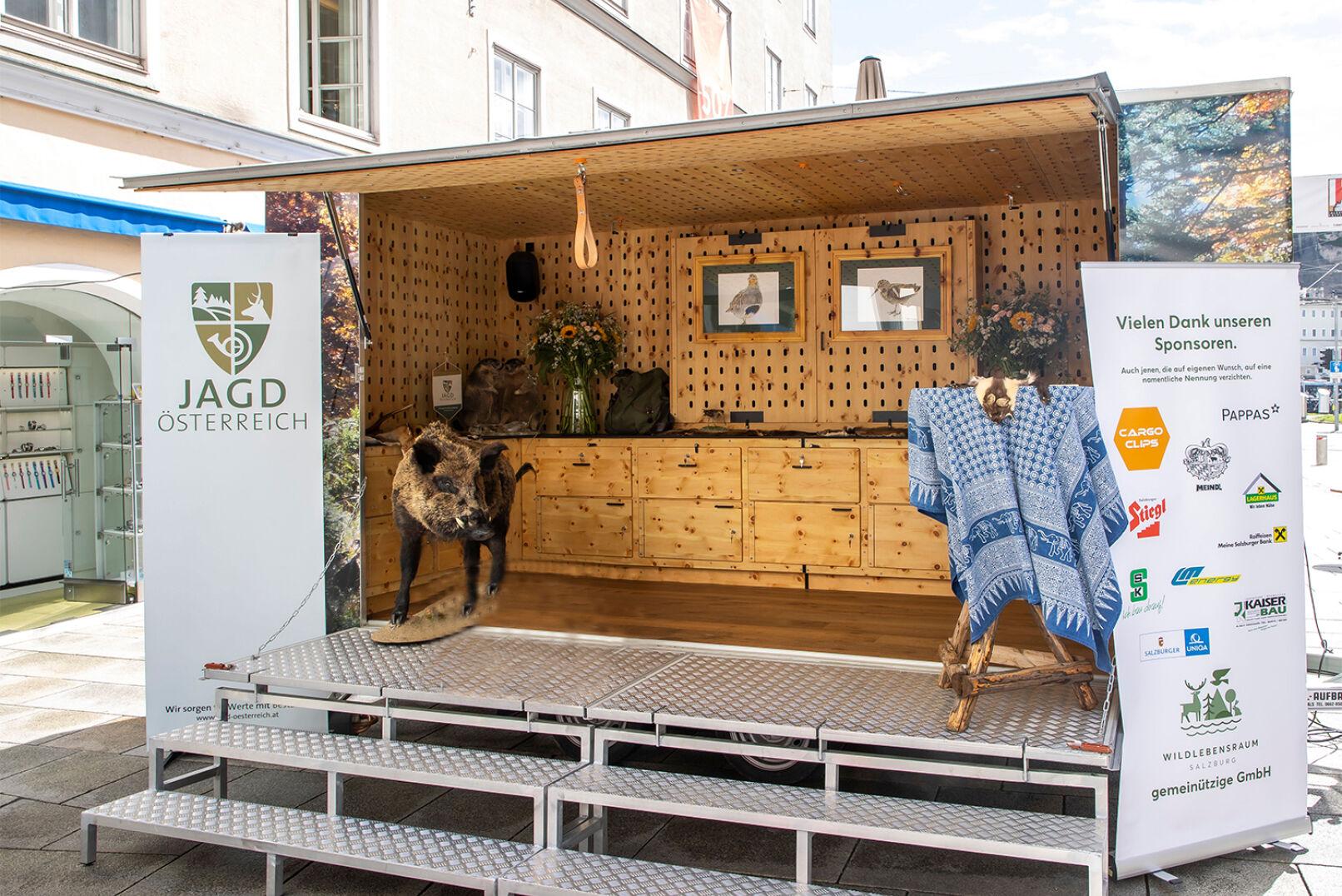 Präsentation der Jägerinnenjacke in Salzburg