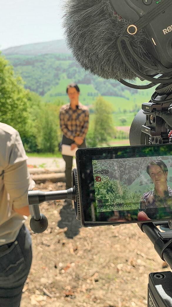 Vor der Kamera: NÖ Jagdverband-Geschäftsführerin Mag. Sylvia Scherhaufer