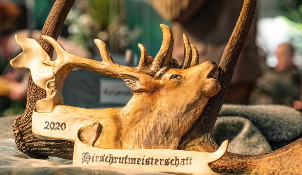 Trophäe Hirschrufmeisterschaft - © Martin Grasberger