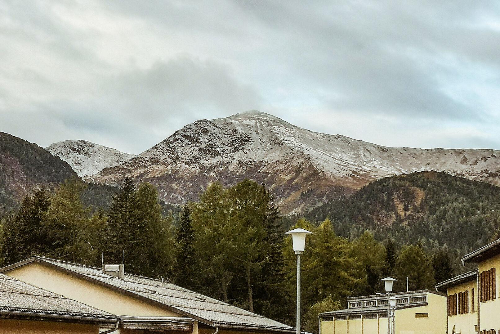 Der Zirbitz, Protagonist der hiesigen Alpenlandschaft, war am Morgen der Challenge angezuckert. - © Barbara Marko