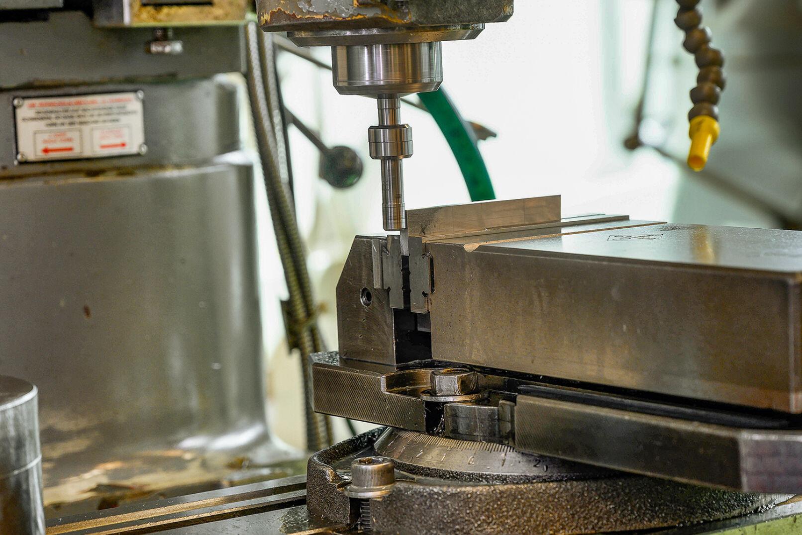 Im Werkstättenunterricht kommen diverse Maschinen zum Einsatz. - © Barbara Marko