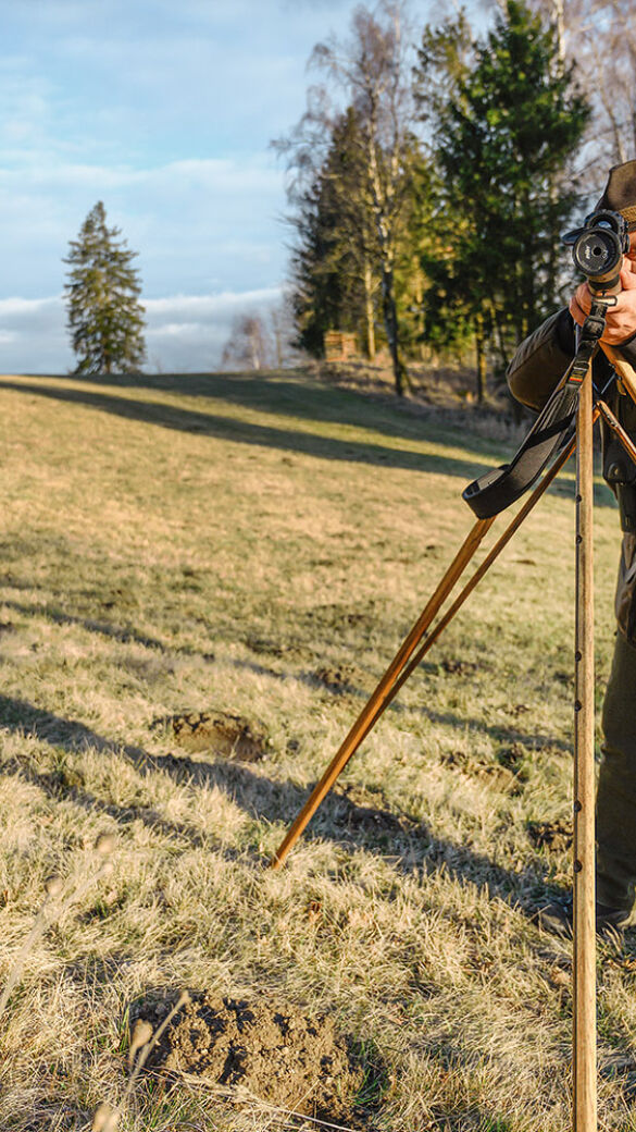 Im umfangreichen WEIDWERK-Test  wurde diesmal der jagdliche Einsatz von  digitalen Nachtsichtzielfernrohren sowie  einem Nachsatzgerät untersucht. - © Ing. Martin Grasberger