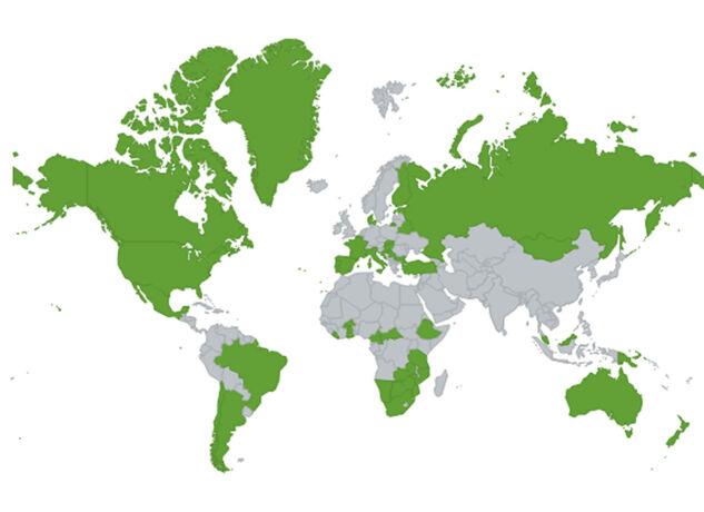 Weidgerecht mit Pfeil & Bogen - Wo die Bogenjagd erlaubt (grüne Flächen) und wo sie verboten ist bzw. der Status nicht bekannt ist (graue Flächen). - © Grafik Stoertebeker24 – Eigenes Werk, CC BY-SA 4.0